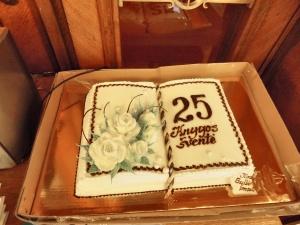 Šventės simbolis tortas knyga