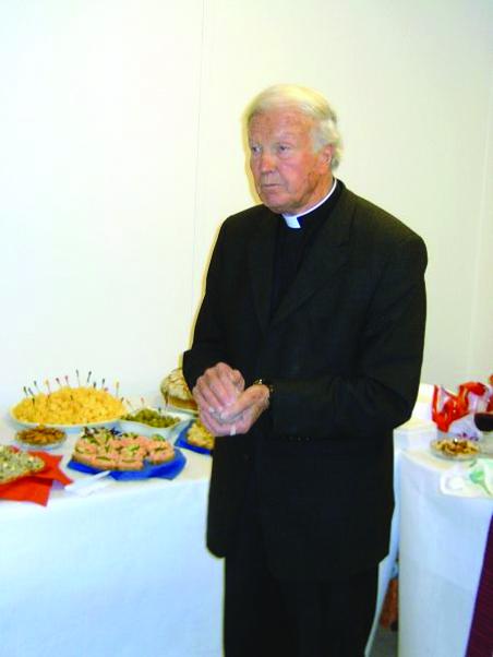 83 Juraitis sventina nauja Konsulata 2004. 12 men.